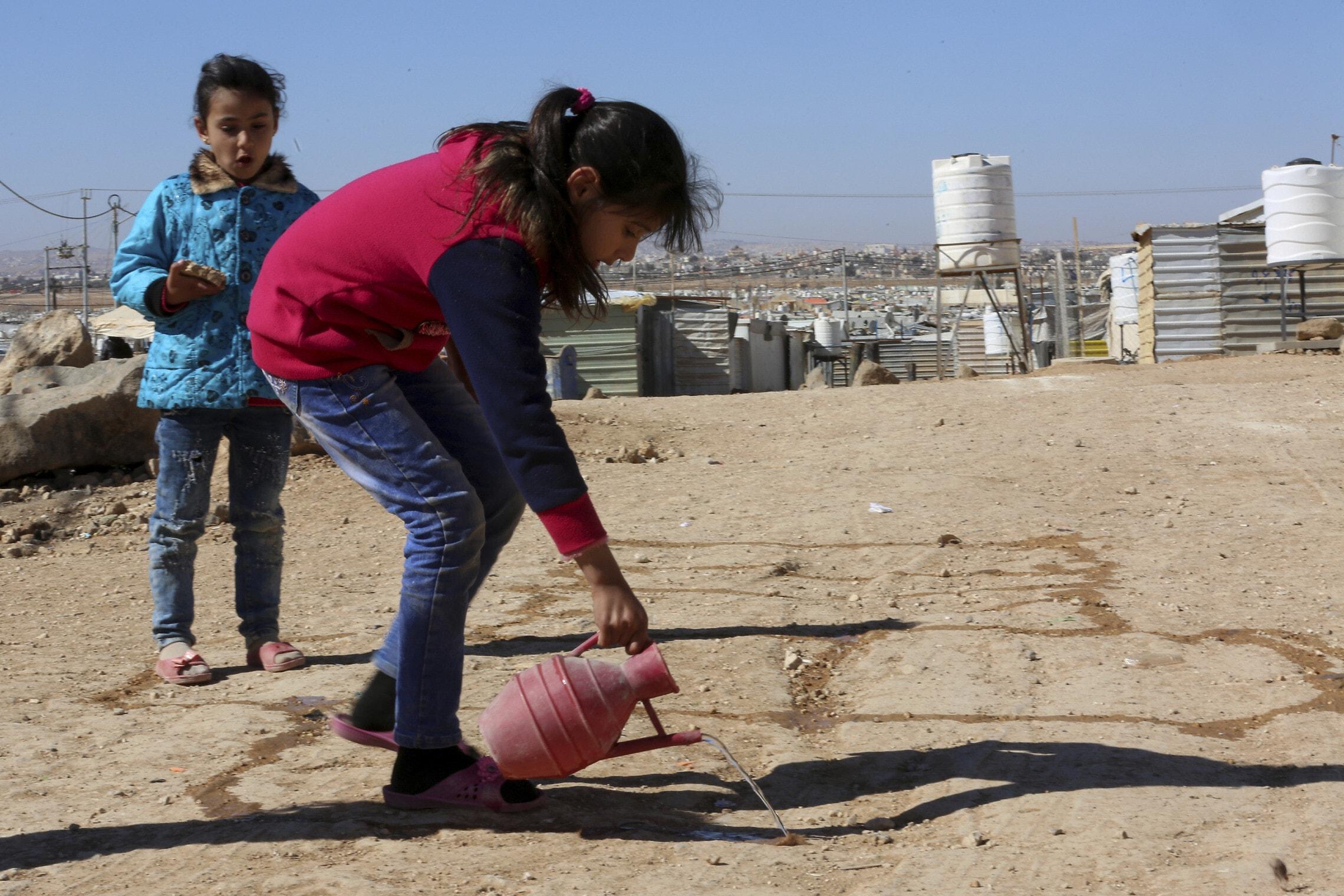 פליטים סורים במחנה זעתרי – הגדול ביותר בירדן, פברואר 2019 (צילום: AP Photo/Raad Adayleh)