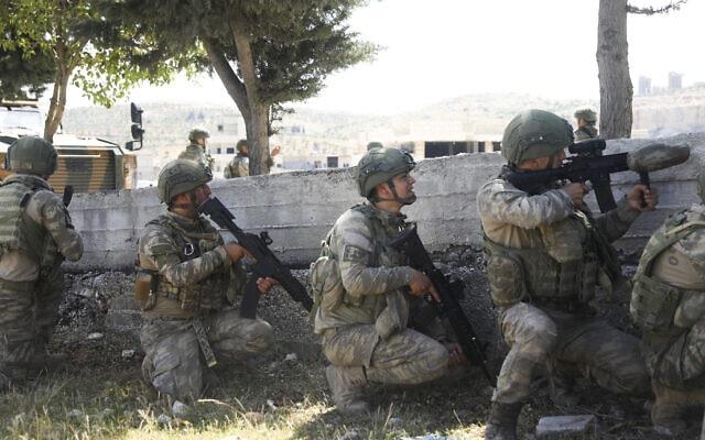 חיילים טורקים במחוז אידליב שבסוריה, 12 במאי 2020 (צילום: Ghaith Alsayed, AP)