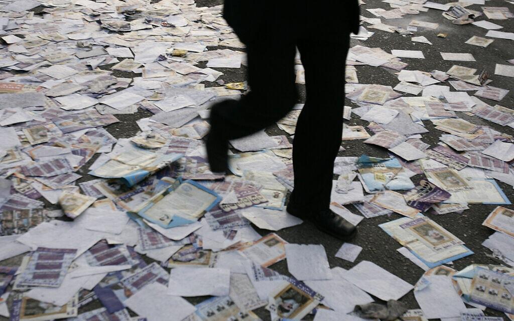 לכלוך שאחרי הבחירות. ארכיון (צילום: אוליבייה פיטוסי/פלאש90)
