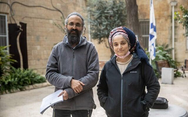 """.אברהם ואיילת סנדק, הוריו של אהוביה סנדק ז""""ל (צילום: Yonatan Sindel/Flash90)"""