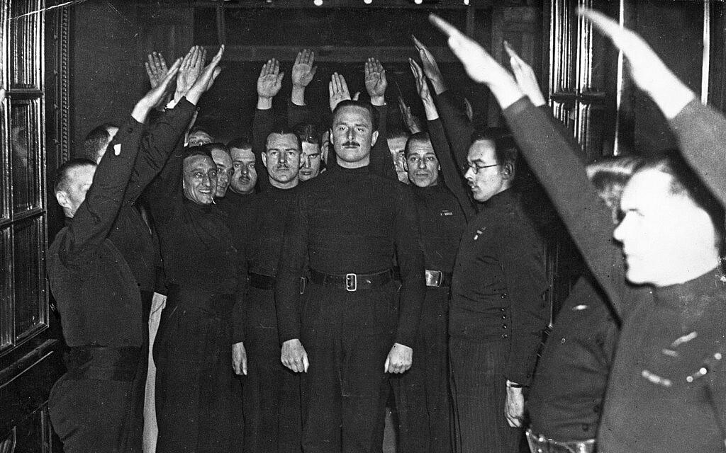 פשיסטים מצדיעים לאוסוולד מוסלי בבריסטול ב-1934