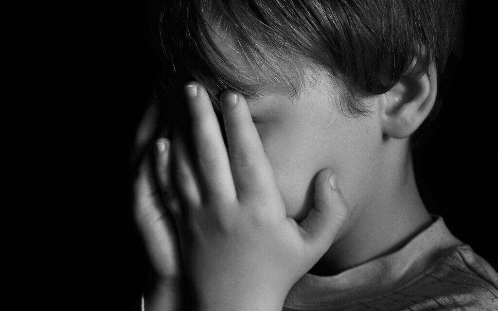 התעללות בילדים, אילוסטרציה (צילום: iStock / nixki)