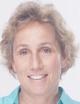 """ד""""ר אפרת טולקובסקי, מנהלת מכון גזית-גלוב לחקר נדל""""ן"""