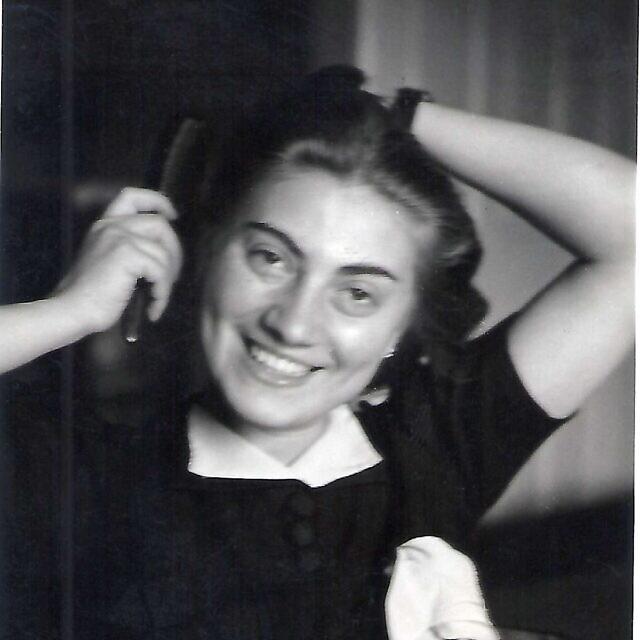 ברטה ברקוביץ' קוהוט בילדותה (צילום: באדיבות טום ארטון)