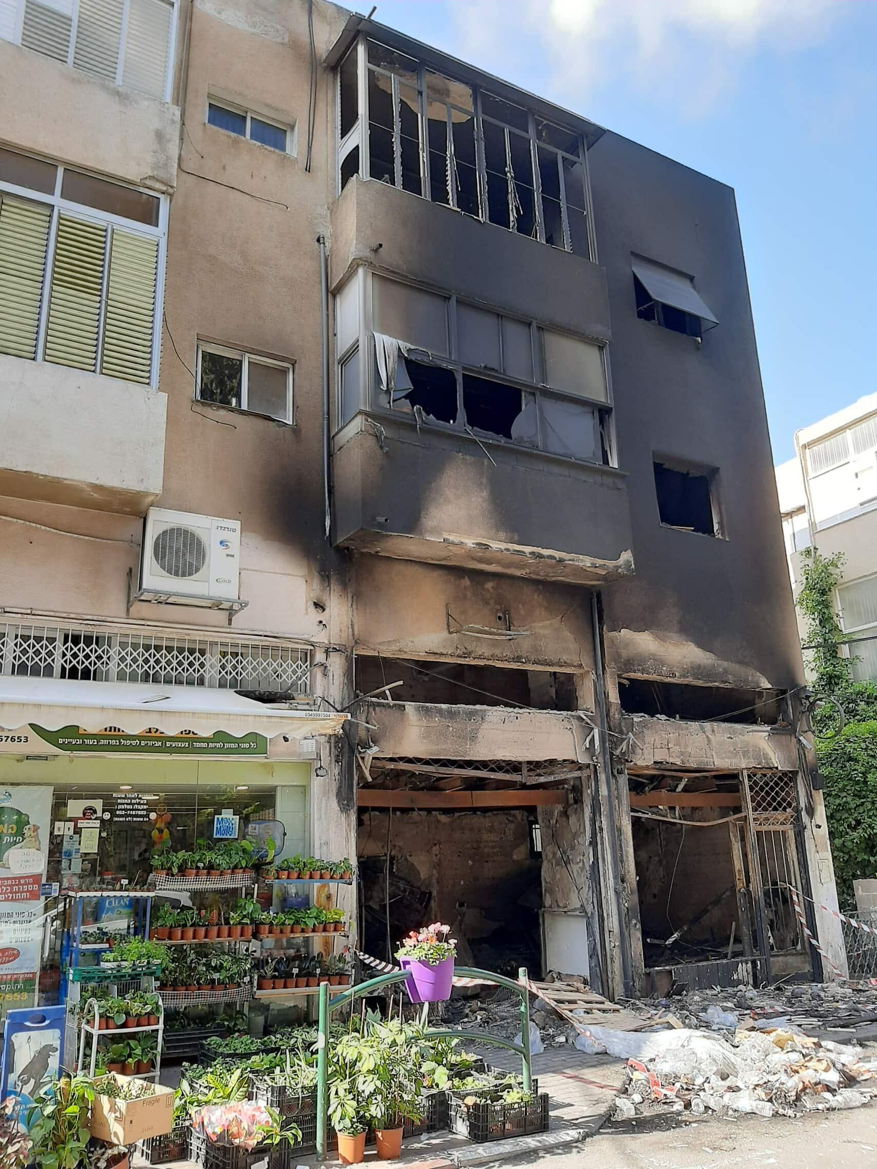 הבניין השרוף ברחוב מסדה