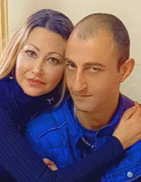 מוניר ענבתאווי ואחותו (צילום: מרכז מוסאוא)