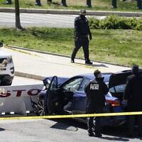 המכונית שניסתה לפרוץ את המחסום בגבעת הקפיטול, 2 באפריל 2021 (צילום: AP Photo/J. Scott Applewhite)