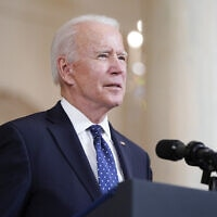 נשיא ארצות הברית ג'ו ביידן בבית הלבן, 20 באפריל 2021 (צילום: Evan Vucci, AP)