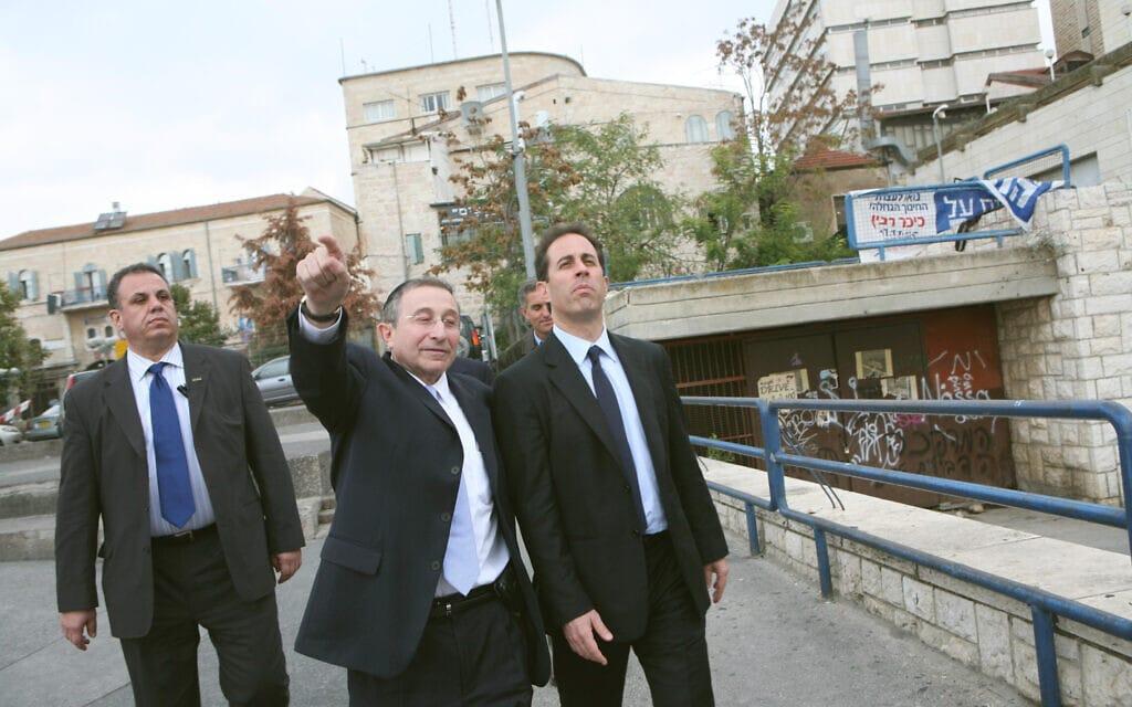 ג'רי סיינפלד מסייר בירושלים עם מארווין האייר בנובמבר 2007 (צילום: יוסי זמיר/פלאש90)