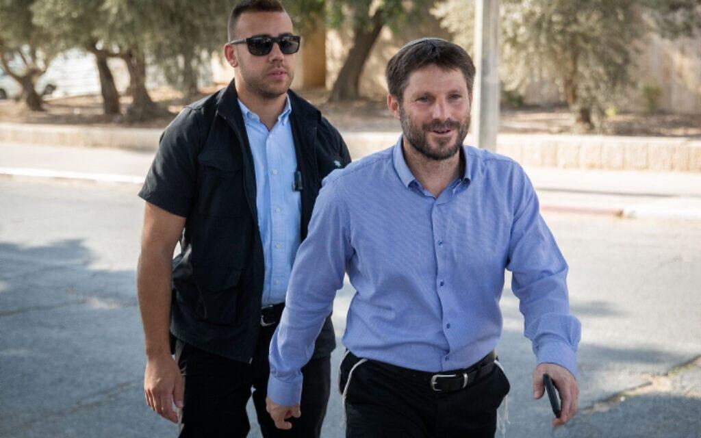 בצלאל סמוטריץ׳ מגיע לפגישה עם בנימין נתניהו ב-18 בספטמבר 2021 (צילום: Yonatan Sindel/Flash90)