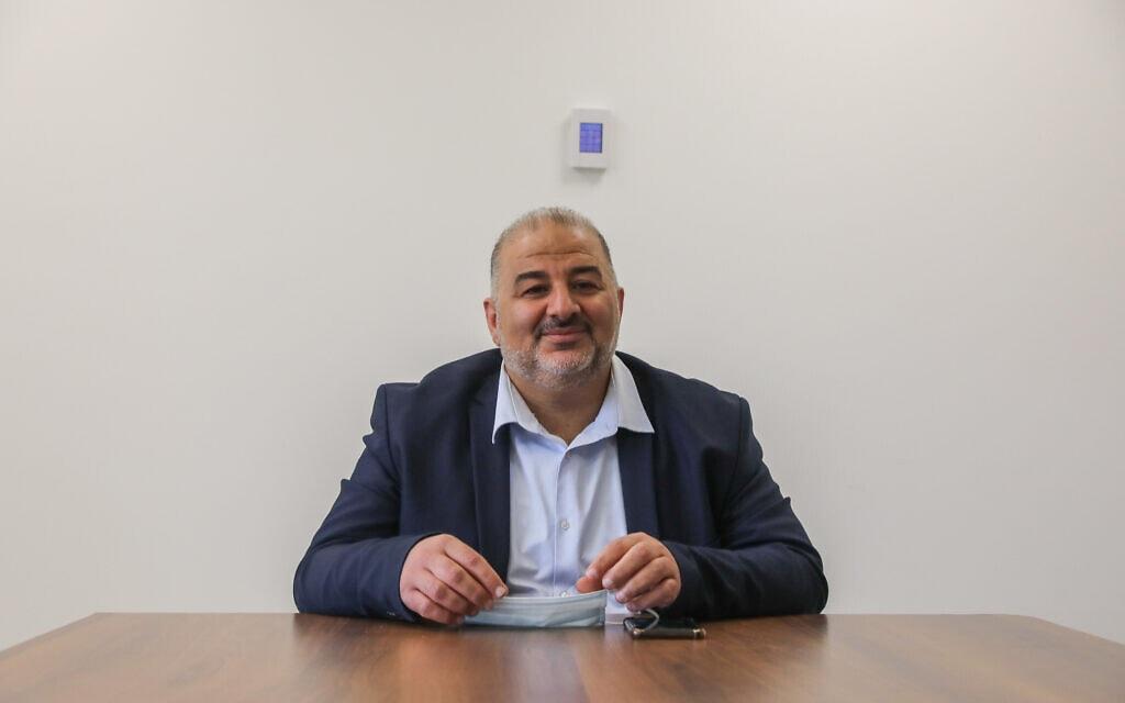 """יושב ראש רע""""ם, מנסור עבאס, בכנסת, 19 באפריל 2021 (צילום: אוליבייה פיטוסי, פלאש 90)"""