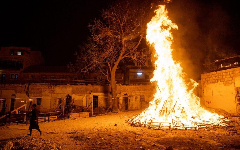"""חגיגות ל""""ג בעומר בירושלים, 29 באפריל 2021 (צילום: יונתן זינדל/פלאש90)"""