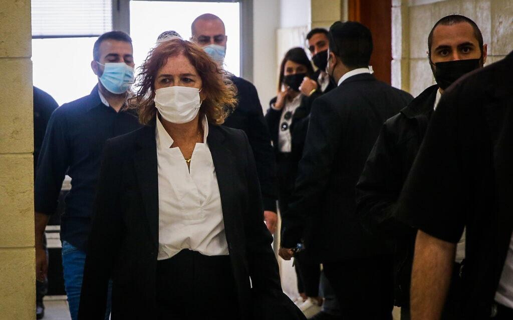 ליאת בן-ארי מגיעה לבית המשפט המחוזי ב-5 באפריל 2021 (צילום: אורן בן חקון/פול)