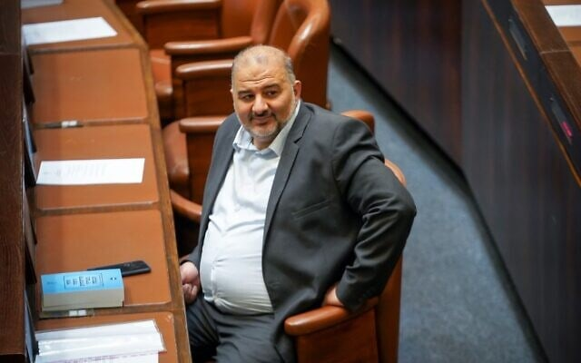 """יושב ראש רע""""ם, מנסור עבאס, במליאת הכנסת, 26 באפריל 2021 (צילום: נועם מושקוביץ, דוברות הכנסת)"""