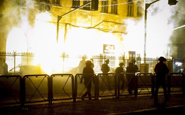 מהומות אלימות בירושלים, 23.4.2021 (צילום: פלאש 90)