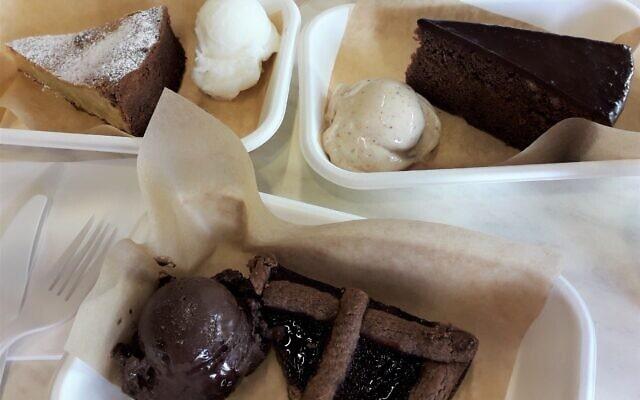 שלוש עוגות של שטפן מאכר (צילום: אריאל קרס)
