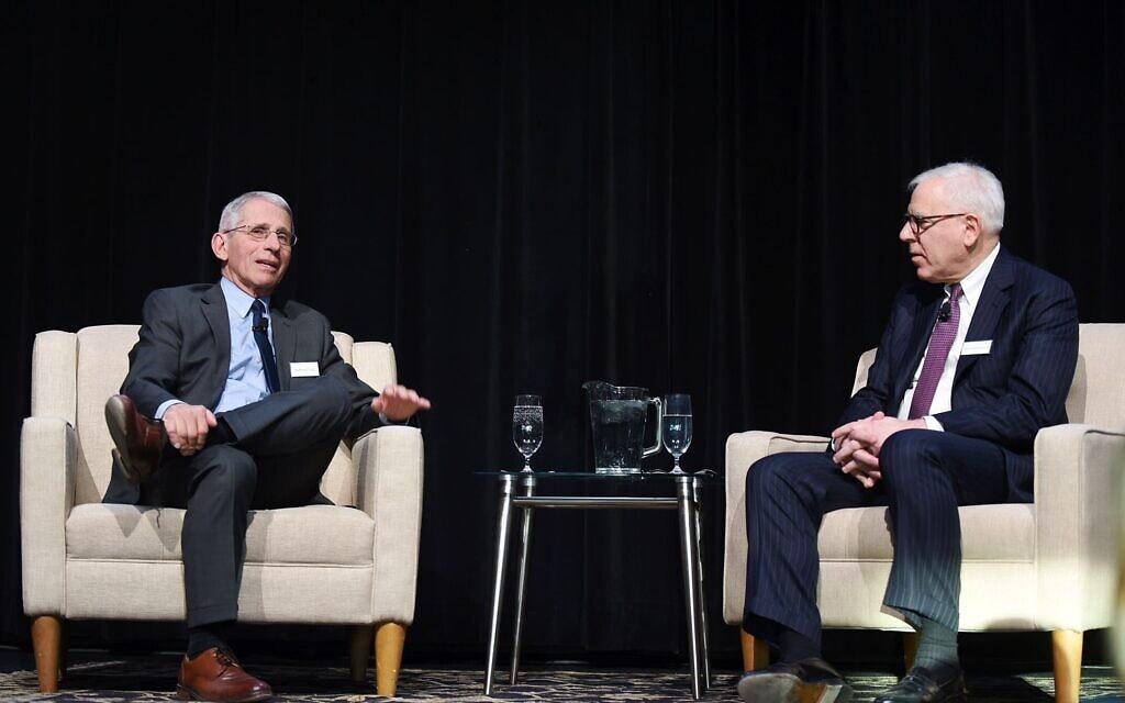 דייוויד רובינשטיין מראיין את מנהל המכון הלאומי לאלרגיה ולמחלות זיהומיות, אנתוני פאוצ'י (צילום: באדיבות דייוויד רובינשטיין)
