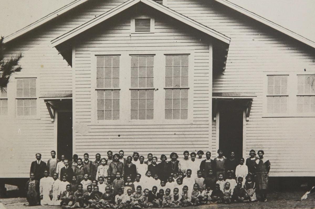 המורים והתלמידים בבת ספר נובל היל, מרשת רוזנוולד, בג'ורגי'ה 1925 (צילום: Noble Hill School)