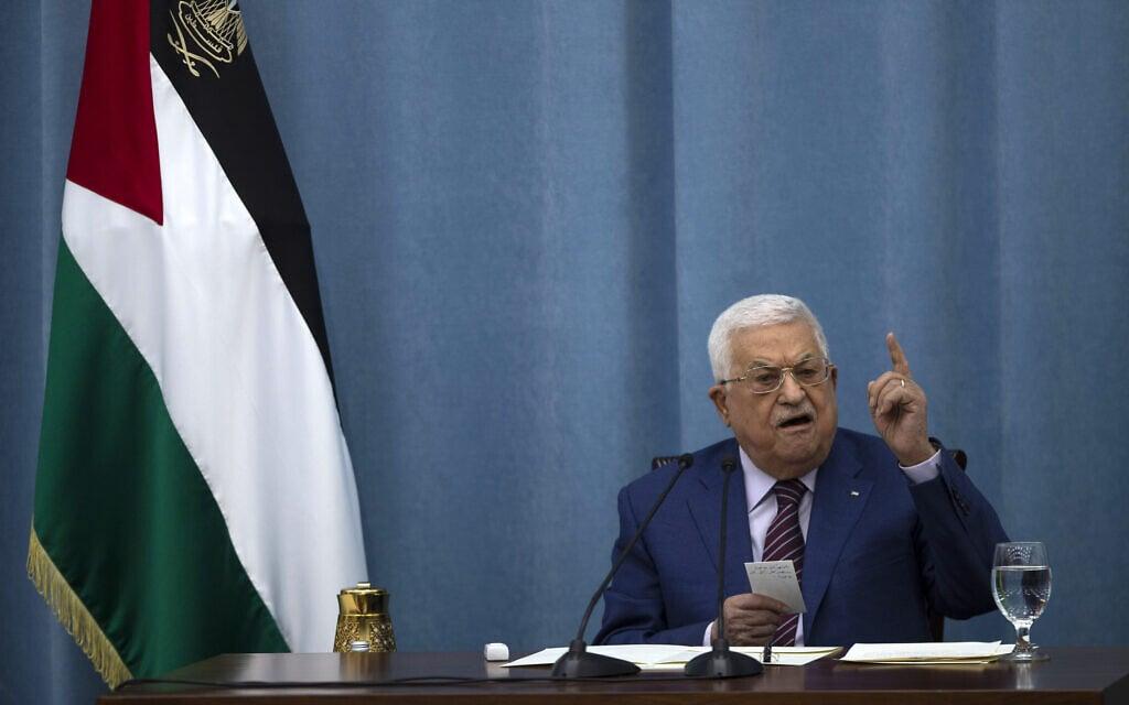 ראש הרשות הפלסטינית מחמוד עבאס (אבו מאזן) מגיב לארועים בעזה, 12 במאי 2021 (צילום: AP Photo/Majdi Mohammed)