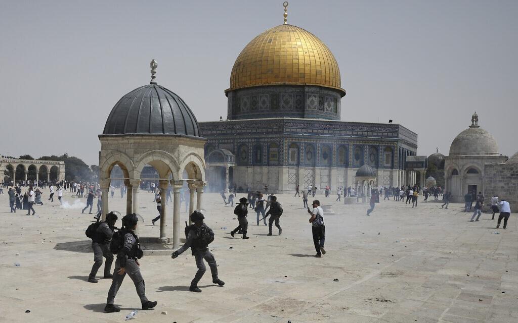 מהומות בהר הבית, 21 במאי 2021 (צילום: AP Photo/Mahmoud Illean)