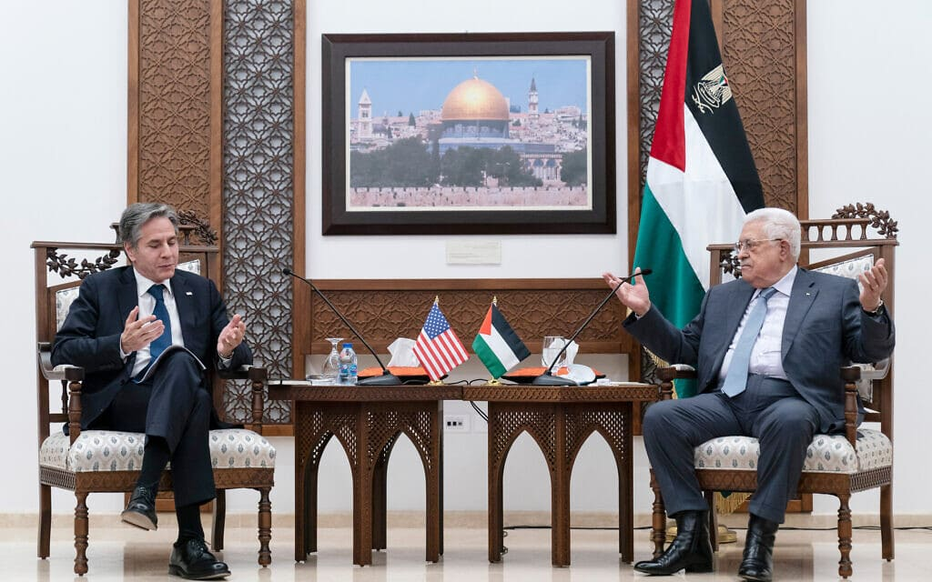 שר החוץ האמריקאי אנתוני בלינקן נפגש עם ראש הרשות הפלסטינית מחמוד עבאס (אבו מאזן) ברמאללה, 25 במאי 2021 (צילום: AP Photo/Alex Brandon)