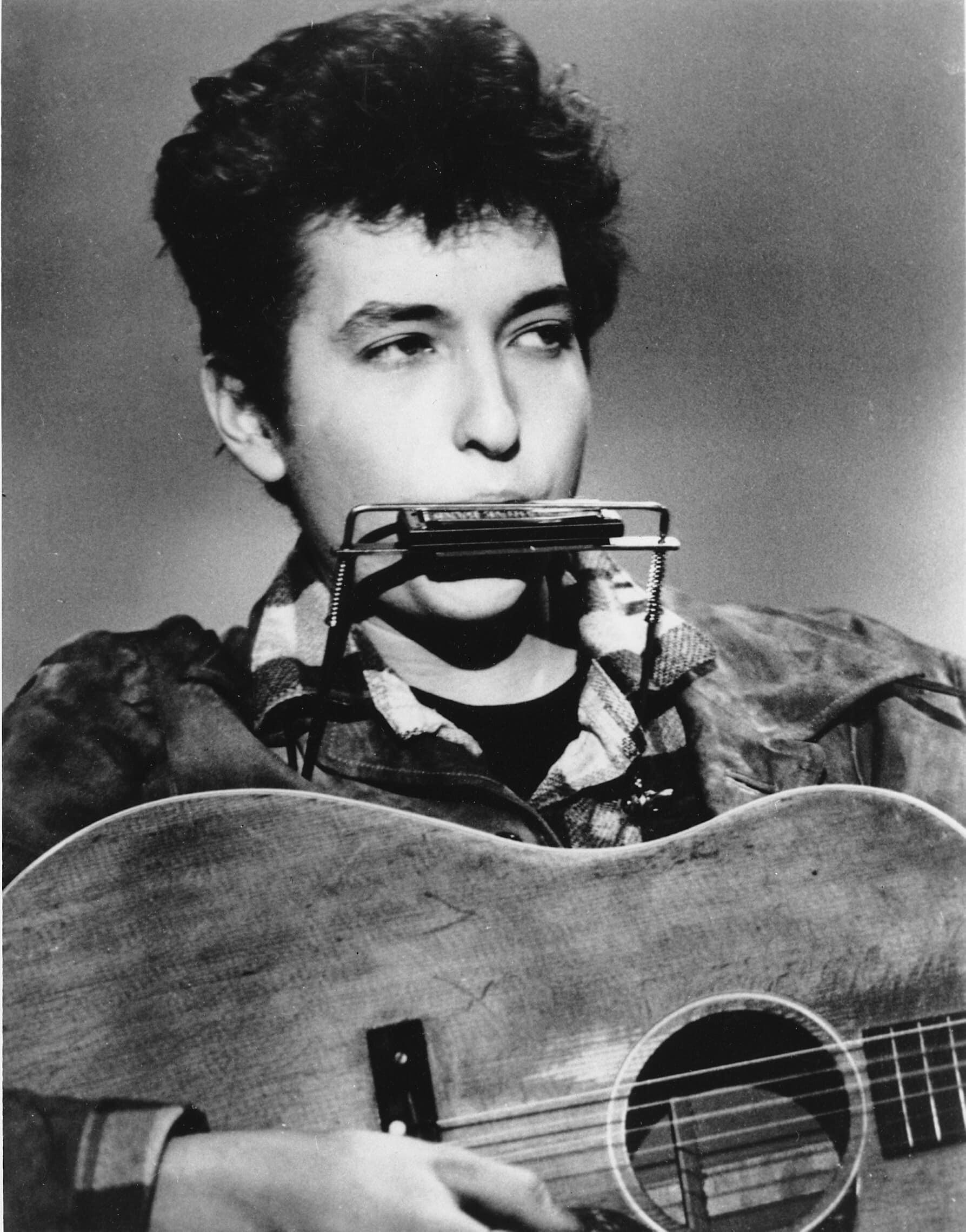 בוב דילן בגיל 22, 1963 (צילום: AP Photo)