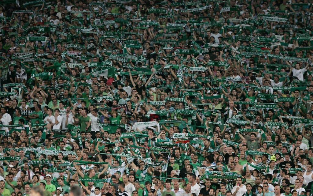 מכבי חיפה מנצחת את רד בול סלצבורג באצטדיון רמת גן מול קהל של עשרות אלפים, 2009 (צילום: מרקו/פלאש90)