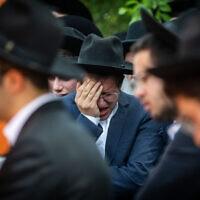 הלווייתו של אברהם אמבון, שנהרג באסון בהר מירון, 3 במאי 2021 (צילום: יונתן זינדל/פלאש90)