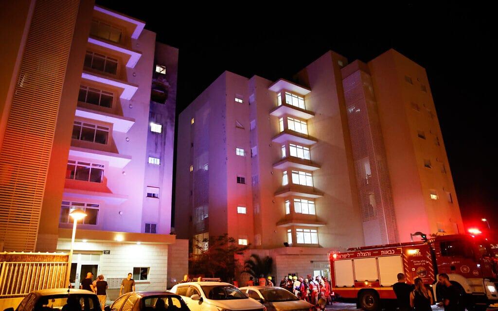 בניין שנפגע מרקטה בשדרות ושבו ילד נפצע אנוש, 12 במאי 2021 (צילום: פלאש 90)
