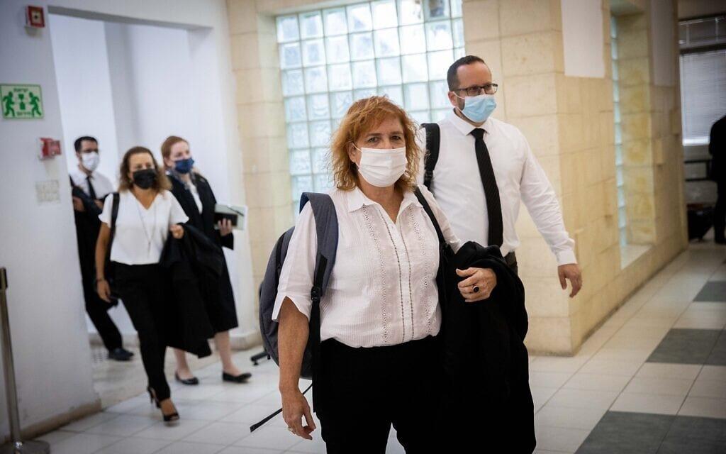 התובעת ליאת בן-ארי בבית המשפט המחוזי בירושלים, 31 במאי 2021 (צילום: יונתן זינדל, פלאש 90)