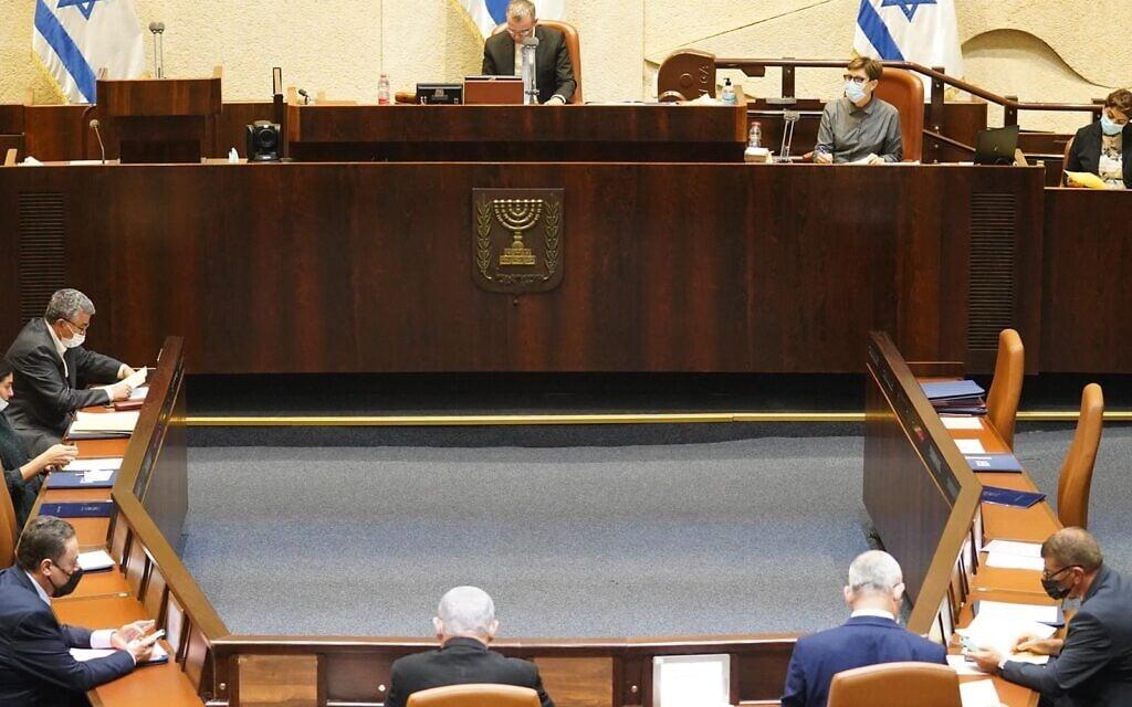 מליאת הכנסת בדיון על חוק דחיית התקציב, 24 באוגוסט 2020 (צילום: יהונתן סמייה, דוברות הכנסת)