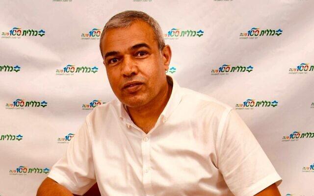 """ד""""ר עלי אל-הואשלה, המנהל הרפואי של מחוז דרום בקופת חולים כללית (צילום: באדיבות עלי אל-הואשלה)"""