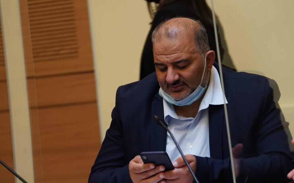 """יו""""ר רע""""ם מנסור עבאס בישיבת הוועדה המסדרת בכנסת, 3 במאי 2021 (צילום: דני שם-טוב/דוברות הכנסת)"""
