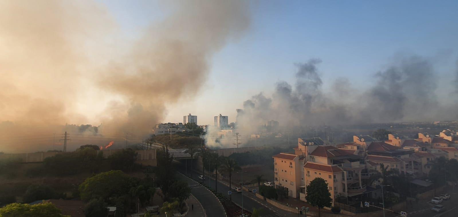 העיר לוד בלהבות, 11 במאי 2021 (צילום: דאריה פוטדין)