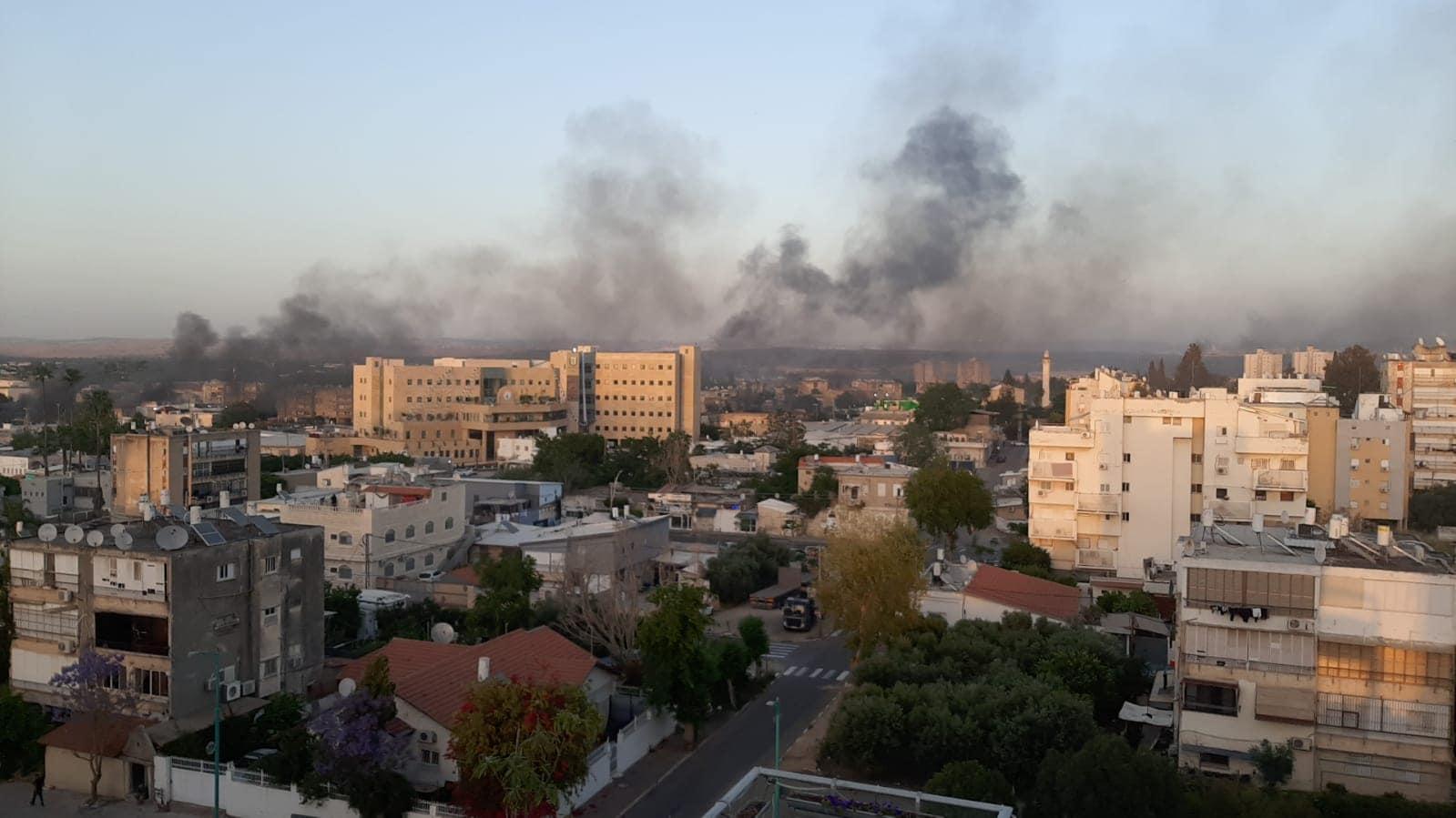העיר לוד עולה בלהבות (צילום: דניאלה אברמוב)