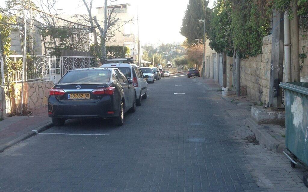 רחוב עשהאל באבו תור, ירושלים, נובמבר 2020 (צילום: סו סורקיס)
