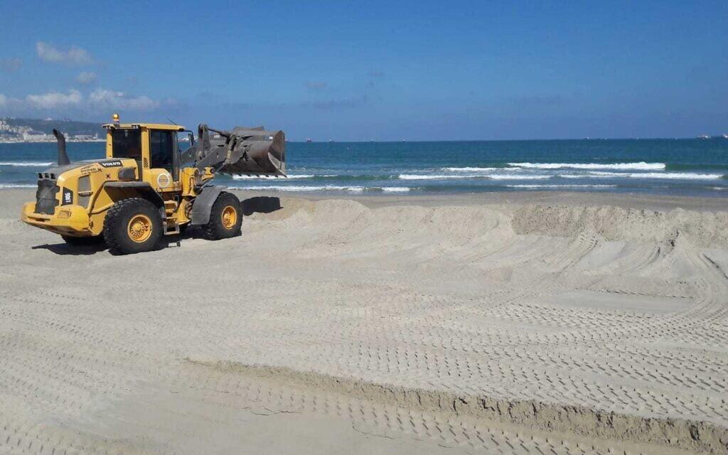 העבודות בחוף קריית חיים (צילום: עיריית חיפה)