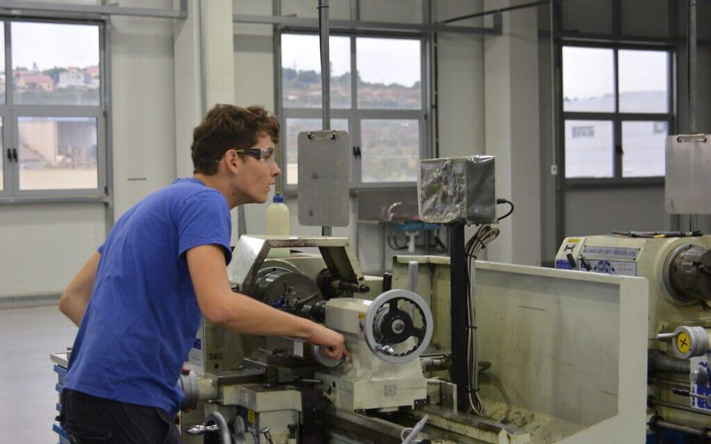 הכשרה מקצועית במרכז הכשרה בית אל (צילום: מרכז הכשרה בית אל)