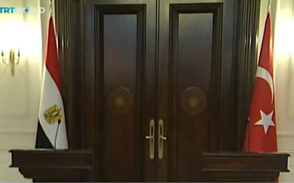לקראת הפגישה הצפויה בין שרי החוץ של מצרים וטורקיה, צילום מסך מ- TRT World