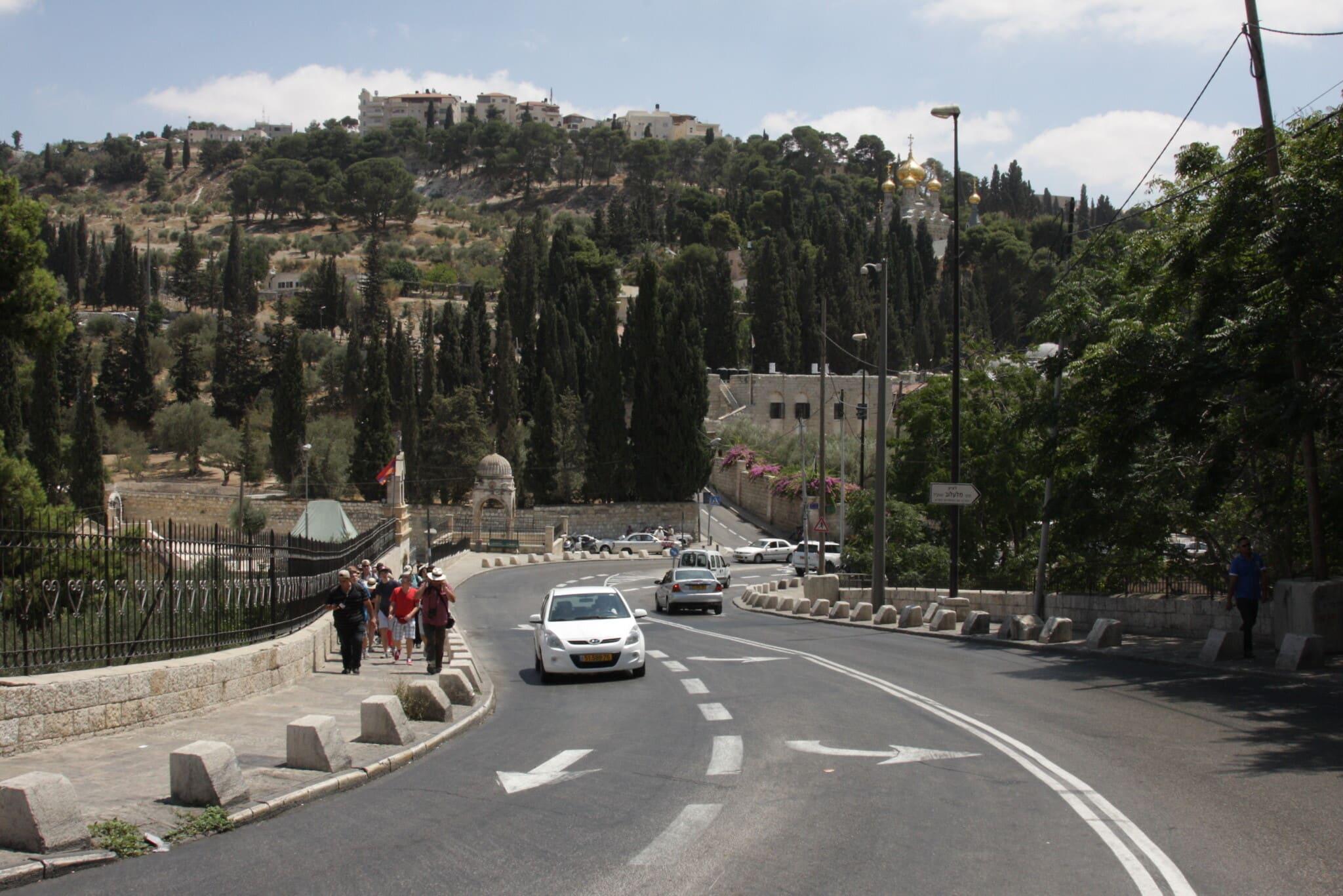 דרך יריחו בירושלים, שם נהרגו חיילים ישראלים בקרב אחרי טעות בניווט (צילום: שמואל בר-עם)