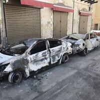 מכוניות שרופות בלוד, 11 במאי 2021 (צילום: אמיר בן-דוד)