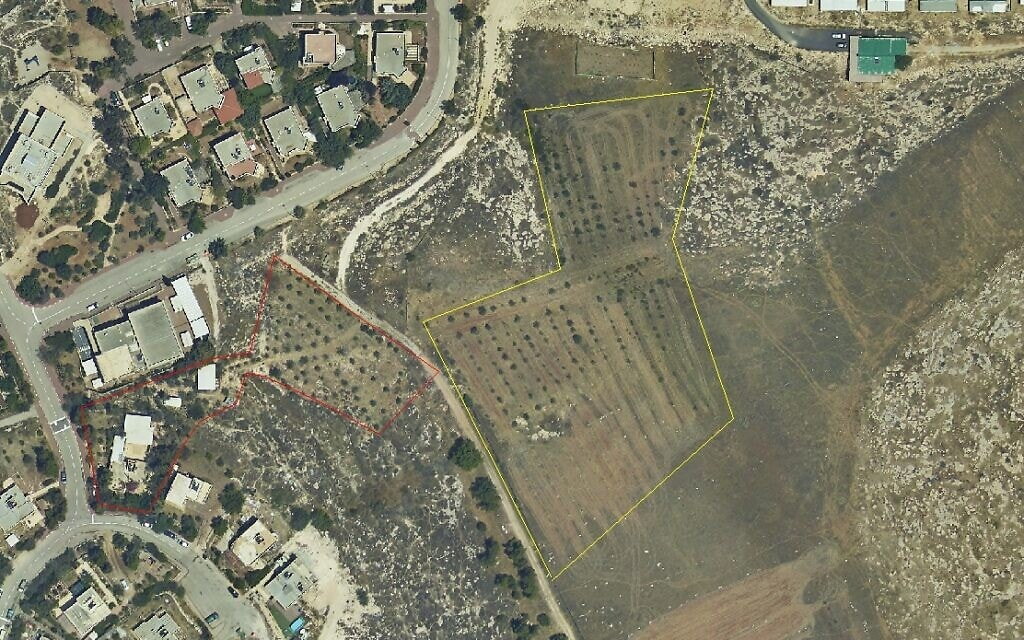 הקרקע של שמעון ריקלין באזור שער בנימין (צילום: דרור אטקס, כרם נבות)