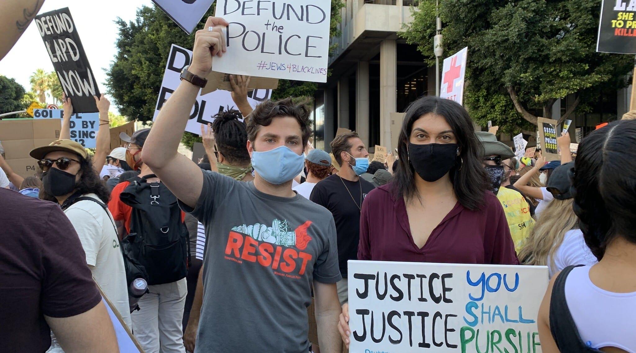 הפגנת מחאה של יהודים בעקבות מותו של ג'ורג' פלויד, יוני 2020 (צילום: Courtesy of Sumekh, via JTA)