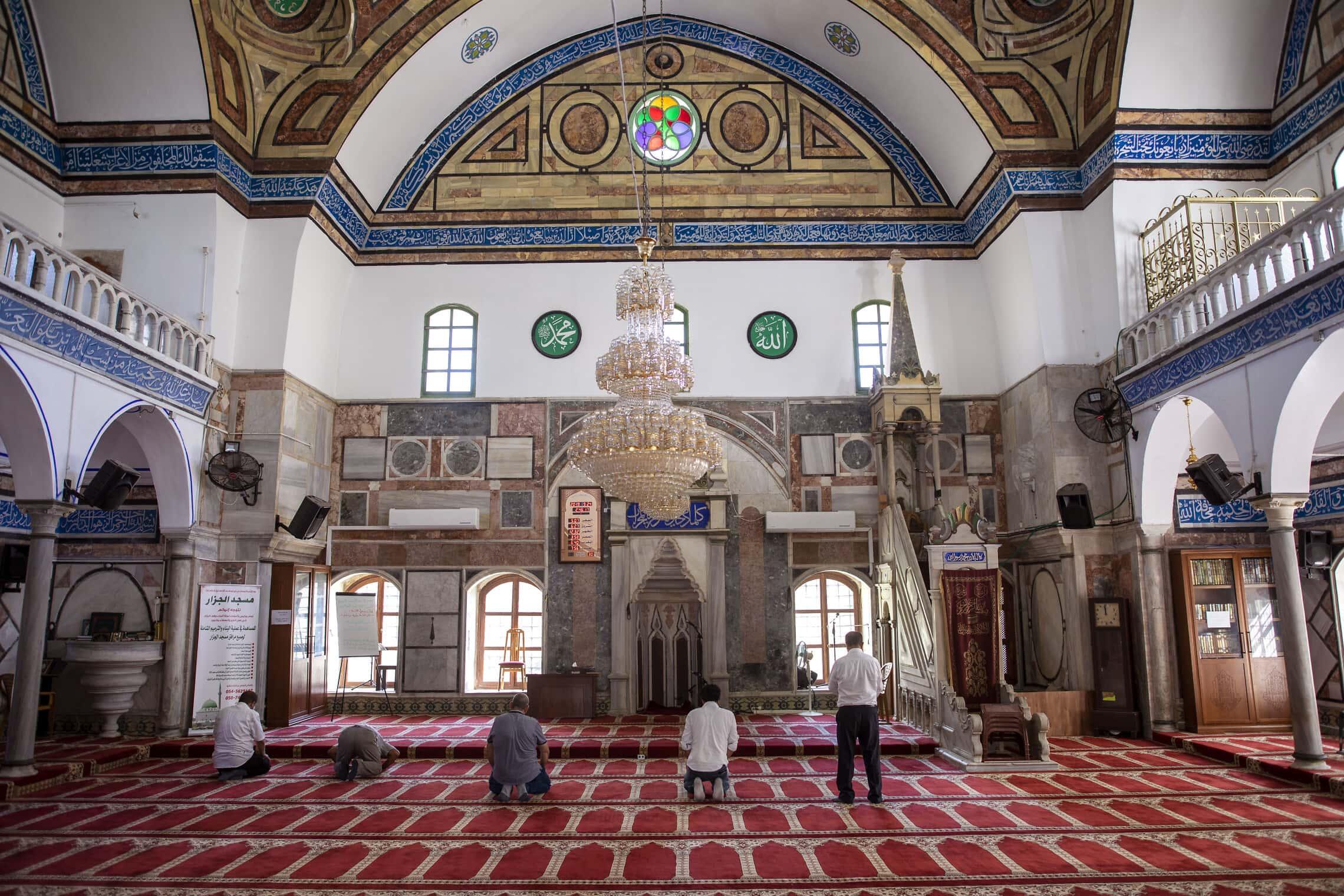 מסגד אל-ג'זאר בעכו (צילום: AP Photo/Oded Balilty)