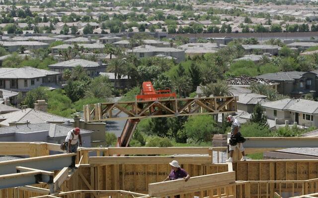 עבודות בנייה בהנדרסון שבנבדה, 22 במאי 2007 (צילום: AP Photo/Jae C. Hong, File)