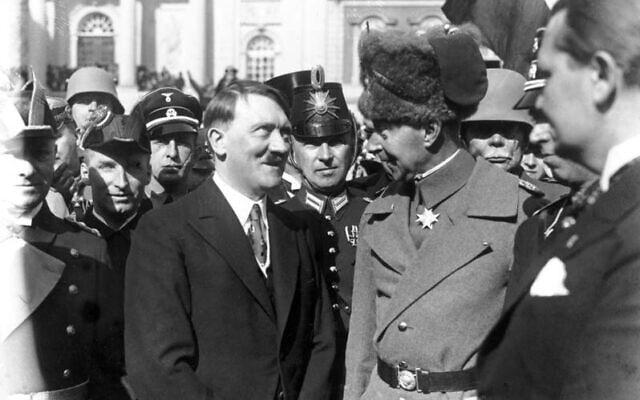 אדולף היטלר ווילהלם, נסיך הכתר של גרמניה, ביום פוטסדם, מרץ 1933 (צילום: Bundesarchiv bild/ via Wikimedia Commons)