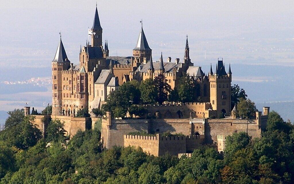 הטירה של משפחת הוהנצולרן, 2005 (צילום: Wikimedia Commons/ CC BY-SA-3.0/ Lukas Riebling)