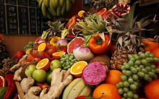 דוכן פירות בשוק מחנה יהודה. אילוסטרציה (צילום: מרים אלסטר/פלאש90)