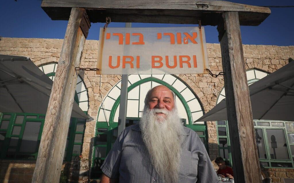 אורי ירמיאס בכניסה למסעדת אורי בורי ב-2016 (צילום: נתי שוחט/פלאש90)