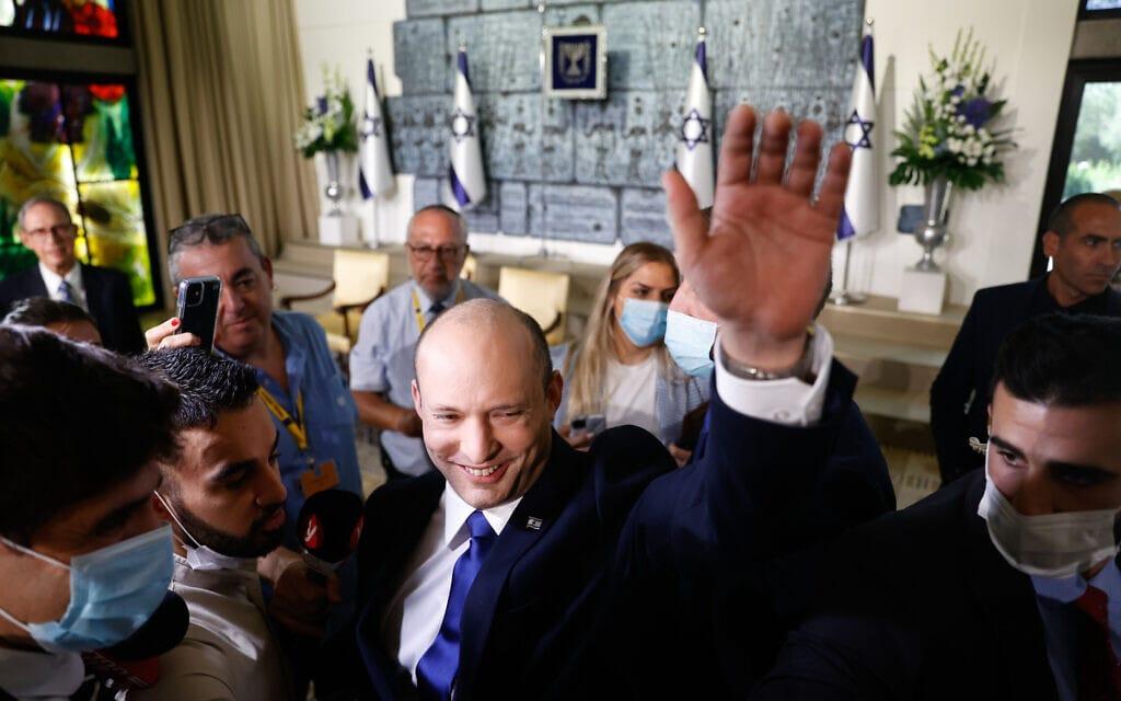 ראש הממשלה נפתלי בנט לאחר התמונה עם הממשלה בבית הנשיא (14.6.2021) (צילום: Yonatan Sindel/FLASH90)